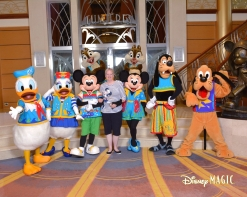 1112-17183495-Disney Jr CL Chip and Dale CL Daisy 3 MS-31034_GPR